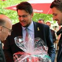 Bild vergrößern:Zu seinem sechzigsten Geburtstag am 27. Juni 2017 erhielt der Vorsitzende der CDU-Landtagsfraktion Siegfried Borgwardt u.a. herzliche Glückwünsche von Tobias Krull MdL und Florian Philipp MdL (v.l.n.r.)