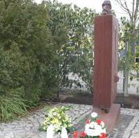 Bild vergrößern:Das Mahnmal am ehemaligen Standort des KZ-Außenlagers MAGDA
