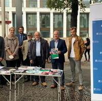 Bild vergrößern:Infostand der Konrad Adenauer Stiftung am Tag der Demokratie am 15. September in der Magdeburger Innenstadt.