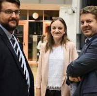 Bild vergrößern:Am Rande der Mandatsträgerkonferenz der CDU Sachsen-Anhalt Tobias Krull MdL, JU-Landesvorsitzende Anna Kreye und Sven Schulze MdEP (v.l.n.r.)