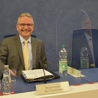 Bild vergrößern:Klaus Zimmermann (Bürgermeister und Beigeordneter Finanzen und Vermögen) bei der Stadtratssitzung (09.09).