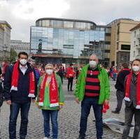 Bild vergrößern:CDU/CDU-Mitglieder am Rande der 1. Mai Veranstaltung des DGB Sachsen-Anhalt auf dem Alten Markt in Magdeburg.