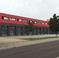 Bild vergrößern:Die Männer und Frauen der Feuerwehr Magdeburg machen in unserer Stadt, eine sehr gute Arbeit. Wir als Fraktion CDU/FDP möchten unseren Rettungskräften bestmöglich unterstützen und eine optimale Einsatzfähigkeit für alle Bürgerinnen und Bürger gewährleisten. Deshalb müssen auch die Bedingungen für die Kameradinnen und Kameraden verbessert werden. Dazu werden wir im nächsten Stadtrat (22.08) einen Antrag stellen, dass in den Ruheräumen, im Stabsraum und in den Schulungsräumen eine Klimaanlage installiert wird. Die Bedingungen in den obengenannten Räumen soll durch die Installation einer Klimaanlage verbessert werden. In der Sommerzeit ist die Raumtemperatur bezüglich einer ordentlichen Dienstsicherung bzw. während der Ruhezeiten zu warm.