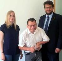 Bild vergrößern:Den Bundesvorsitzenden des Allgemeinen Behindertenverbandes Marcus Graubner (mitte) konnte Tobias Krull MdL am Mittwoch, den 24. Juni, zu einem Gespräch treffen.