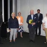 Bild vergrößern:Am 17. September wurde Stephen Gerhard Stehli (3.v.r.) von den anwesenden CDU-Mitgliedern zum CDU-Direktkandidaten für den Wahlkreis Magdeburg-Nord nominiert.