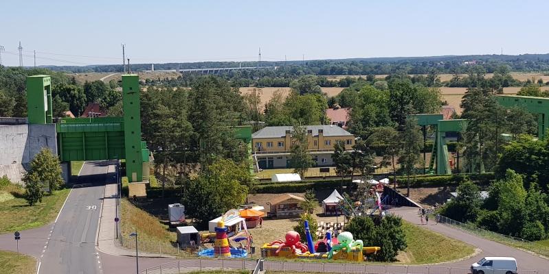 Blick auf das Schiffshebewerk Magdeburg-Rothensee.