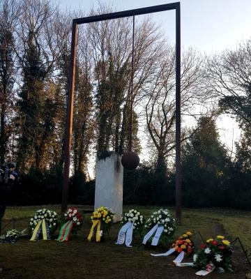 Am 16. Januar fand auf dem Westfriedhof eine Kranzniederlegung in Erinnerung an die Opfer der Zerstörung Magdeburgs vor 75 Jahren durch alliierte Bomberangriffe statt.