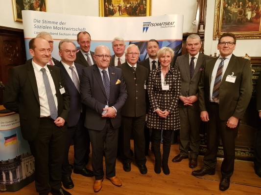 Die Mitglieder des Landesvorstandes der Wirtschaftsrates mit den Gastrednern beim Jahresempfang am 11. Februar 2020.