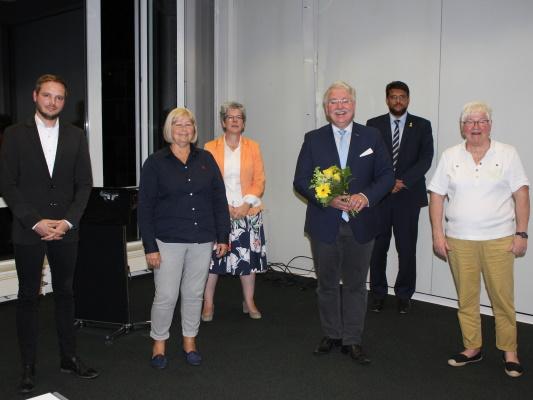 Am 17. September wurde Stephen Gerhard Stehli (3.v.r.) von den anwesenden CDU-Mitgliedern zum CDU-Direktkandidaten für den Wahlkreis Magdeburg-Nord nominiert.