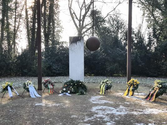 Das Denkmal auf dem Magdeburger Westfriedhof welches an die Opfer der Bombardierung der Stadt in der Nacht vom 16. auf den 17. Januar 1945 erinnert.