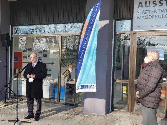 Eröffnung des neuen Testzentrums des Universitätsklinikum Magdeburg am 18. März mit Ministerpräsident Dr. Reiner Haseloff und dem Ärztlichen Direktor Prof. Dr. Hans-Jochen Heinze (v.l.n.r.)