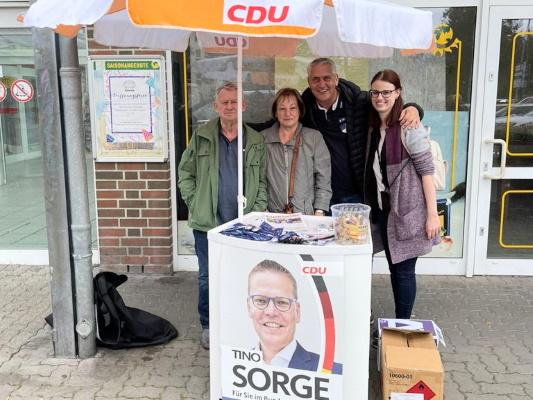 Mitglieder des CDU-Ortsverbandes Diesdorf/Lindenweiler beim Infostand zur Bundestagswahl am 17.09.2021.